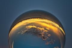 Sonnenuntergang in der Glaskugel bei Wolfenweiler